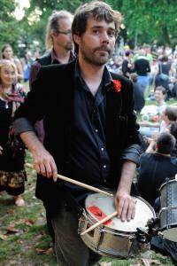 Alexandre Michel -  percussions -  Guitariste, percussionniste, batteur, compositeur. Autodidacte. Collaborations/créations passées et présentes: Warzazatte, Le Grand Wazhou, Packheadhome, bluegrass...